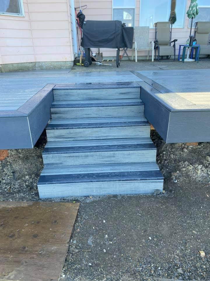 Shelmet Construction deck stairs